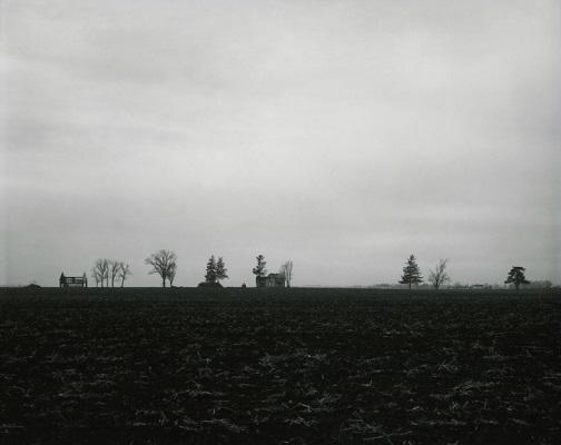 """From """"Farm Landscapes"""" - 1981 - photo by Rhondal Mckinney   sad black and white photos   imagenes bellas de soledad y tristeza, fotos en blanco y negro bonitas"""