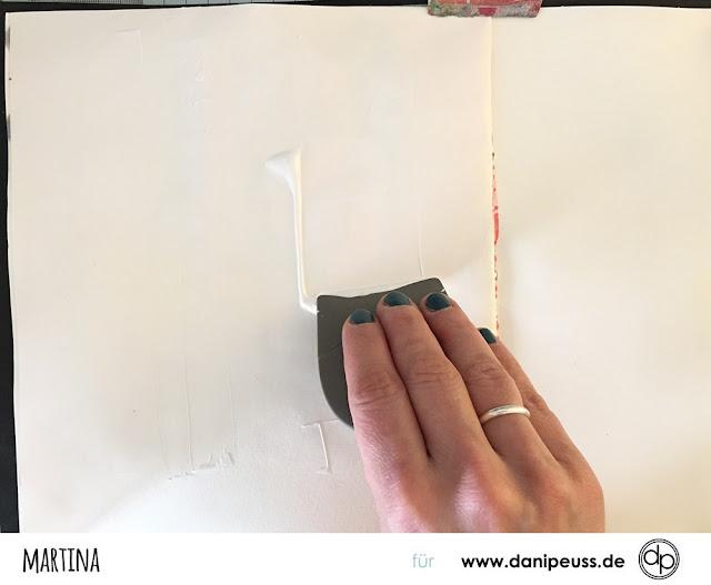 http://danipeuss.blogspot.com/2017/05/art-jounal-seite-mit-acrylfarbe-und.html