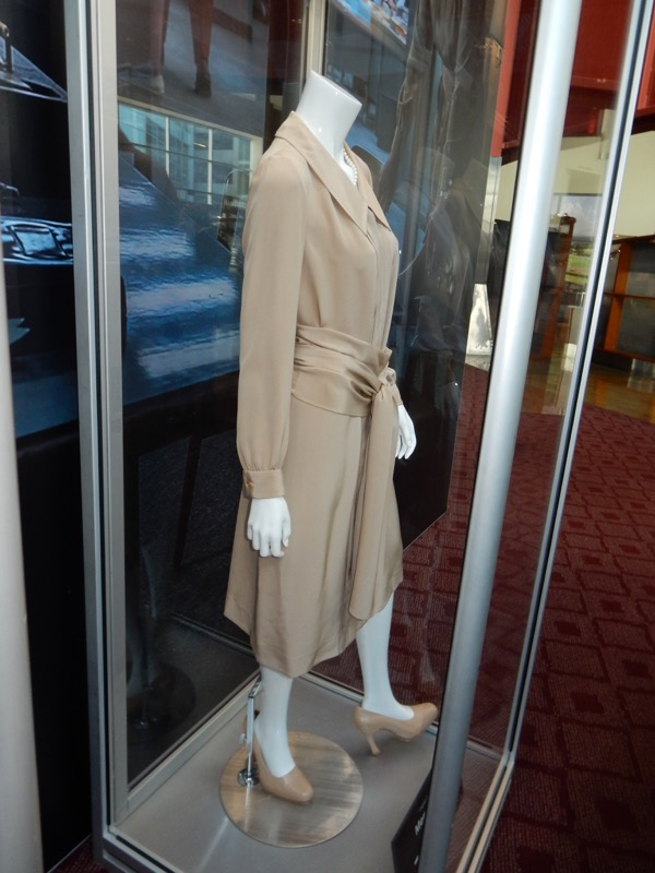 Meryl Streep The Post movie costume