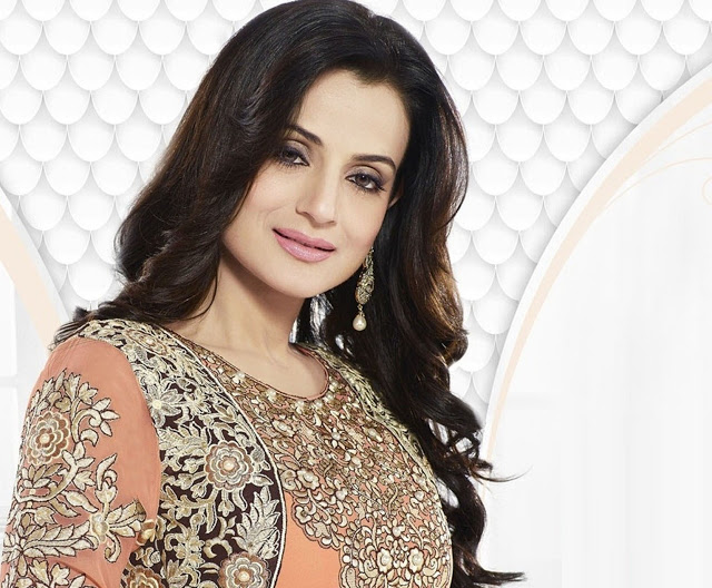 Car Wallpapers Backgrounds Hd Screen Themes By Nishant Patel: HD WALLPAPERS FREE DOWNLOAD: Ameesha Patel HD Photos
