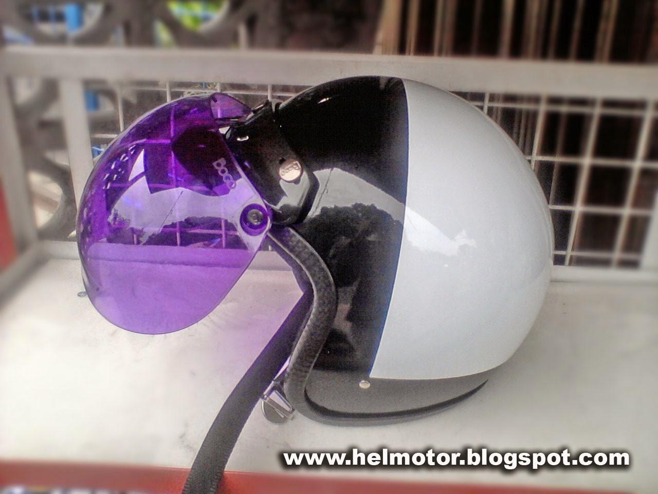 Mei 2013  Helm Vespa