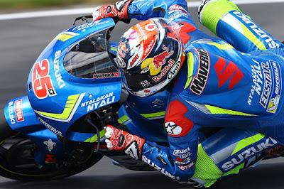 Vinales Akan Warisi Kedigdayaan Valentino Rossi