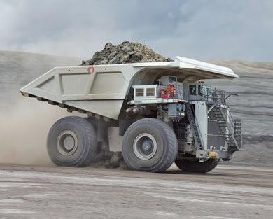 Liebherr T284, um gigante da mineração