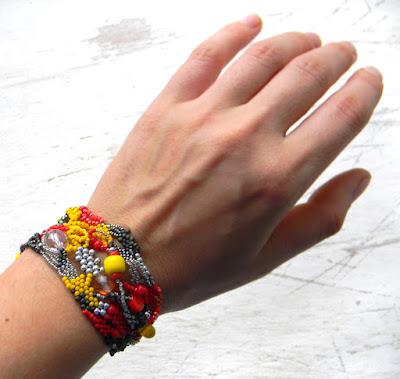 peyote bracelet freeform beadwork beading jewelry anabel27 beadweaving boho cuff