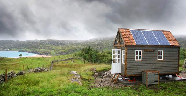 Clashnessie Bay tiny house