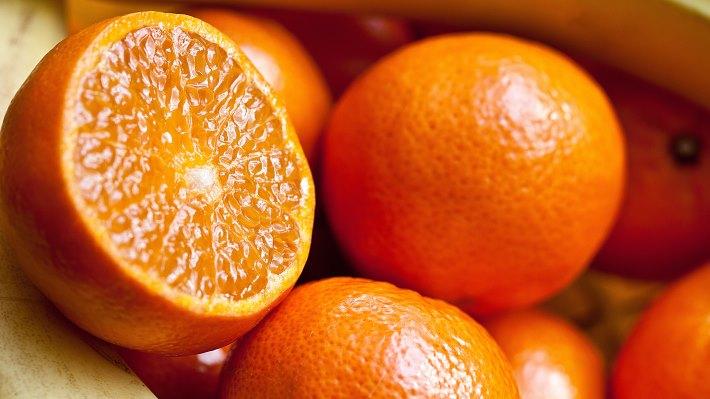 Wallpaper 2: Fresh and Natural Oranges 2014