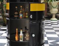 mini bar hecho con un tanque reciclado