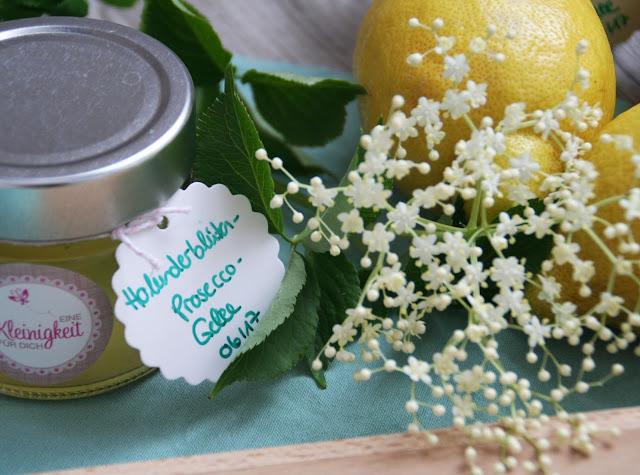 Holunderblüten-Prosecco-Gelee
