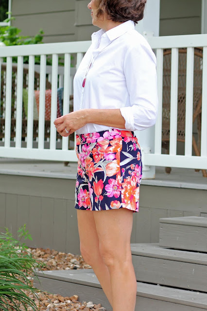 Maritime Shorts made from floral stretch sateen from Style Maker Fabrics