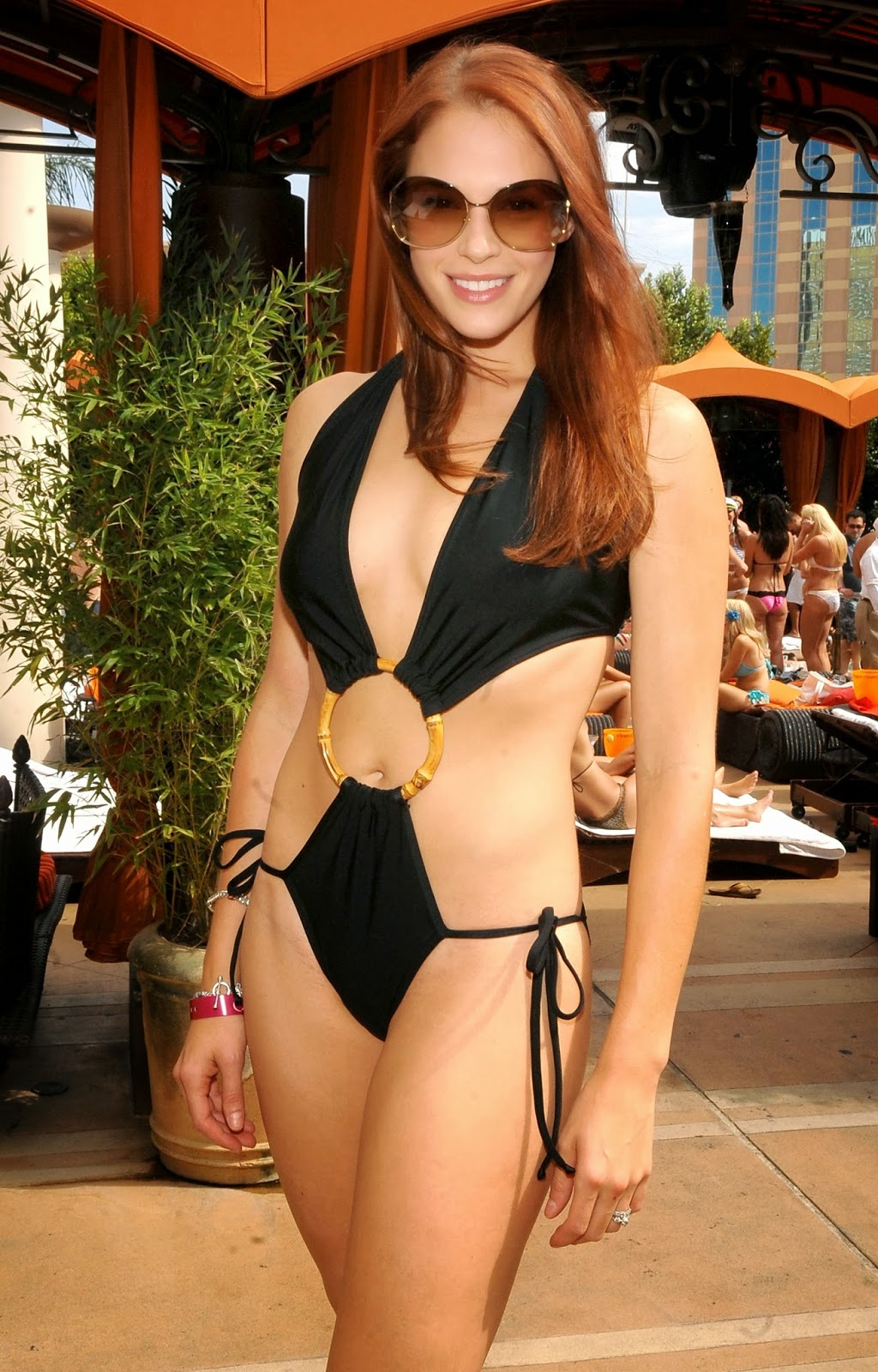 Amanda Hot Images latest celebrity photos: amanda righetti hot and sexy bikini