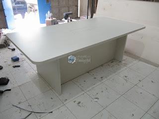 Meja Meeting Dengan LAN hub dan Electrical beserta Kursi Rapat Kantor - Meja Rapat Semarang - Meja Kantor Semarang