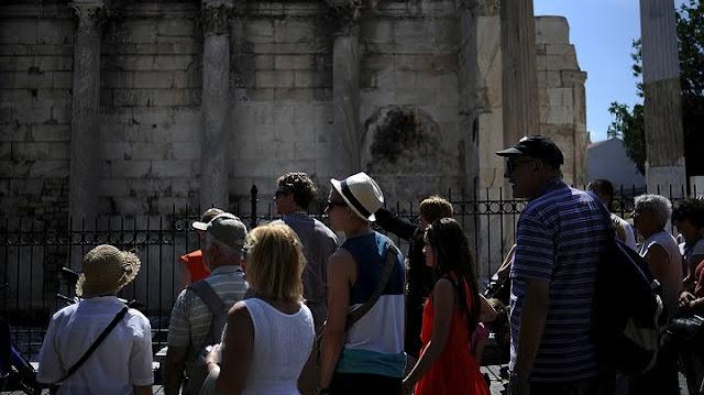 Περισσότεροι από 900.000 Ρώσοι τουρίστες στην Ελλάδα το 2017