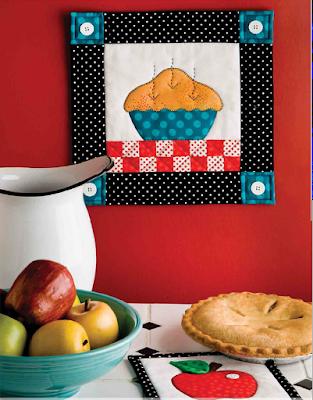 Quilt Inspiration: Free pattern day! Apple quilts : apple quilt block - Adamdwight.com