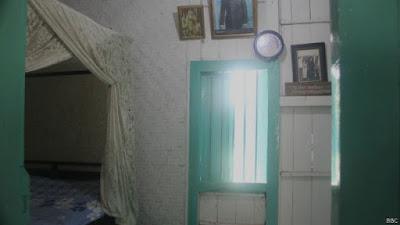 kamar tempat beristirahat sukarno dan hatta saat diculik ke Rengasdengklok