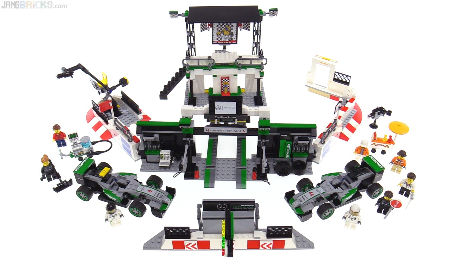 lego speed champions mercedes amg petronas f1 team review. Black Bedroom Furniture Sets. Home Design Ideas