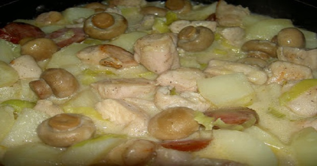 Creamy Chicken With Potatoes, Leeks And Mushrooms Recipe