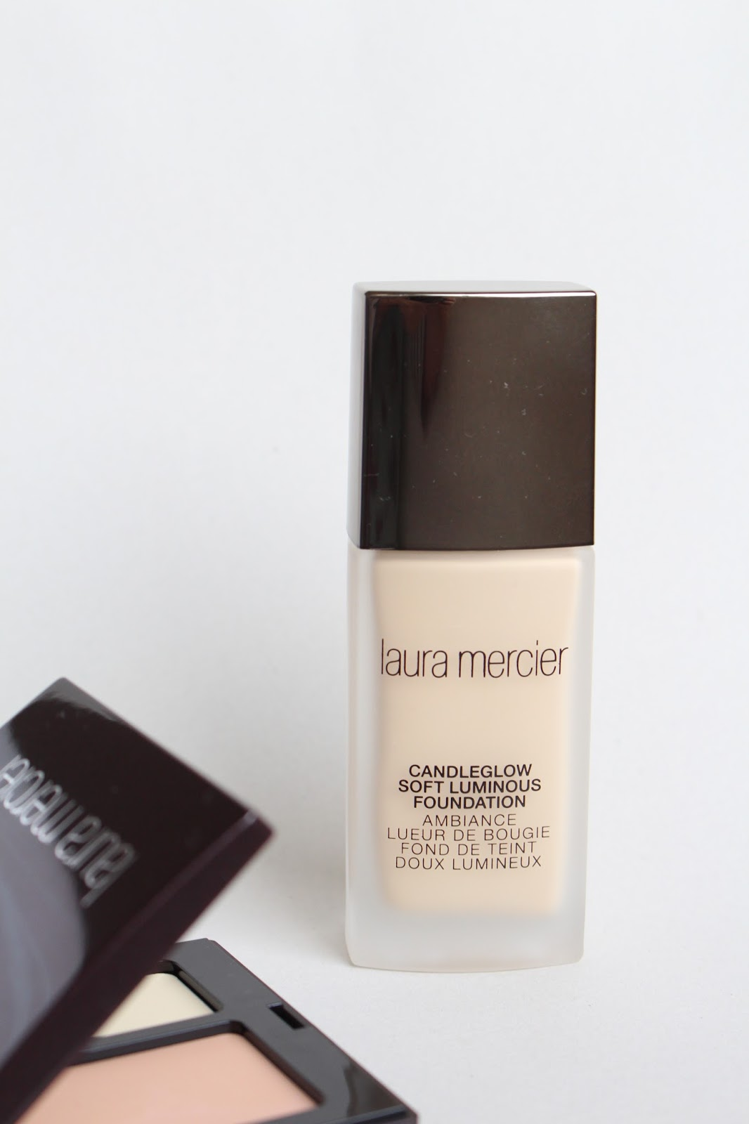Laura Geller Candleglow Luminous Soft Foundation