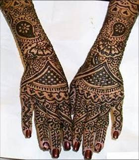 Mehndi designs in vertical pattern