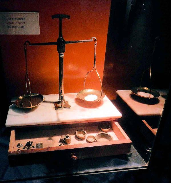 Material para fazer hóstias usado por Santa Bernadette no convento de Nevers.