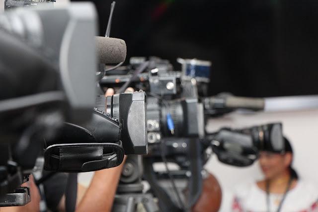 Makalah Dasar Penyiaran Pers Era Reformasi