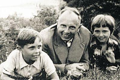Родина Бандери:під своїм та чужим прізвищем - На скрижалях