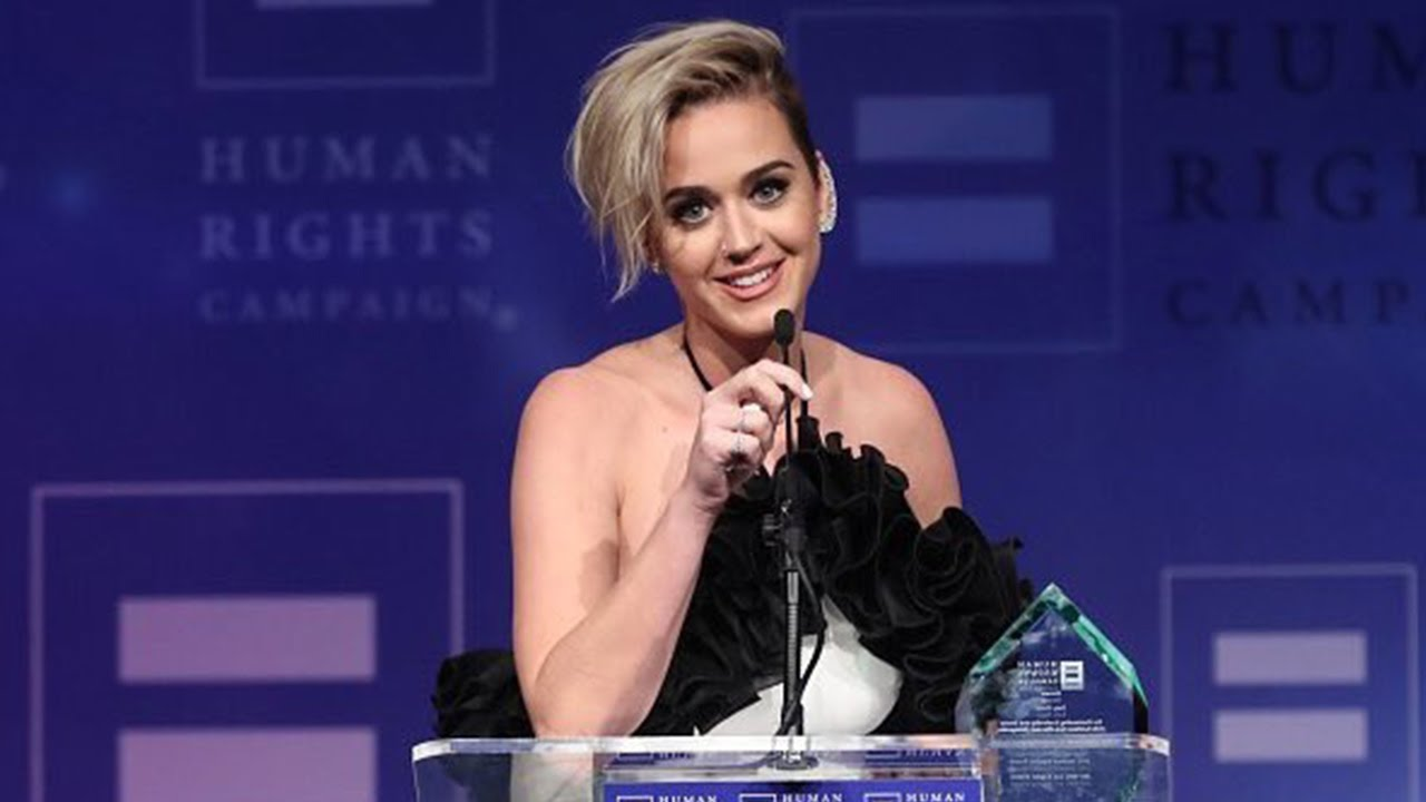 Katy Perry honra a KatyCat que murió en un accidente automovilístico