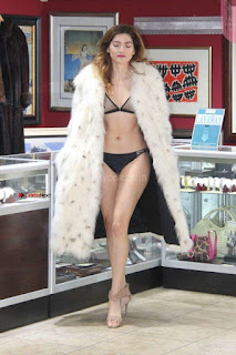 Blanca-Blanco-at-a-local-pawn-shop--05-662x993+%7E+SexyCelebs.in+Exclusive.jpg