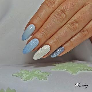https://snaily-nails.blogspot.com/2017/11/termiczny-sweterek.html