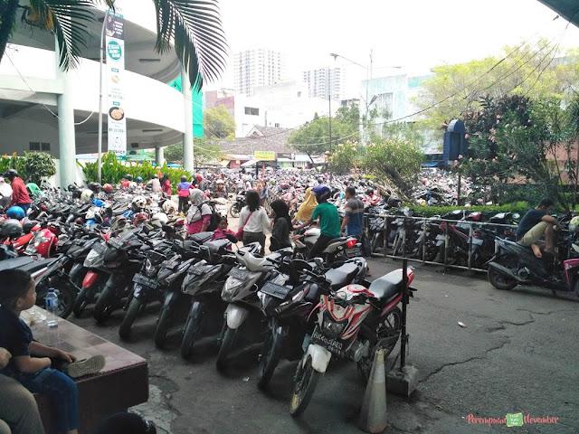 parkiran medan mall