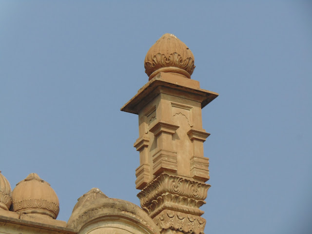 mosque of lucknow