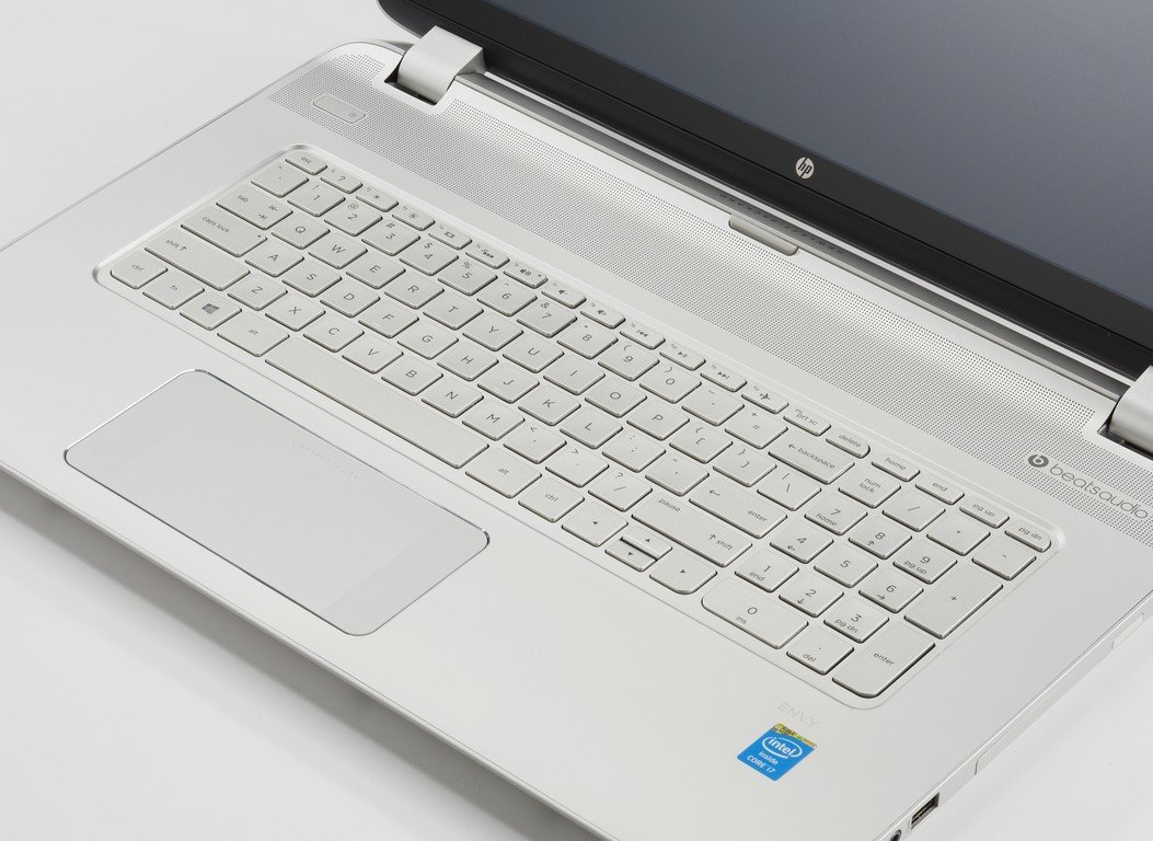Touch and go with ease using the Dell Inspiron iA laptop. The seventh-generation AMD AP quad-core processor and 12GB RAM provide plenty of power, and the intuitive