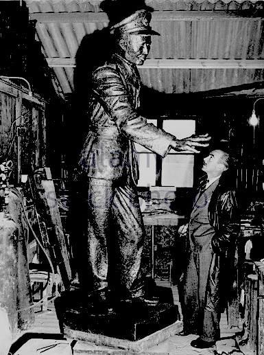 ပန္းခ်ီ သန္းေဌးေမာင္ ● ဗိုလ္ခ်ဳပ္ေၾကးရုပ္ လက္ရာရွင္ ဘင္းဘရစ္ခ်္ ေကာ္ပေနာ္ (၁၉၀၃-၇၃)