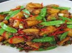 Resep praktis (mudah) tumis kentang ayam spesial (istimewa) yang enak, sedap, gurih, nikmat dan lezat