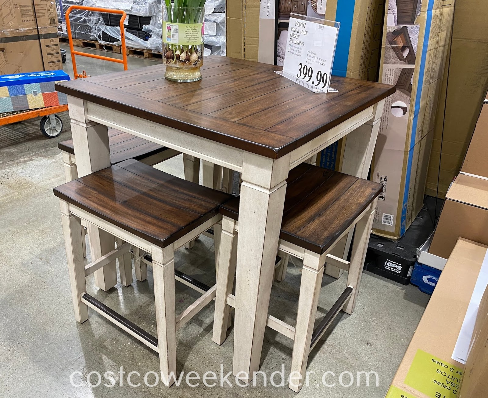 Ensure you have a proper place to have a meal with your family with the Pike & Main Gibson Counter Height Dining Set