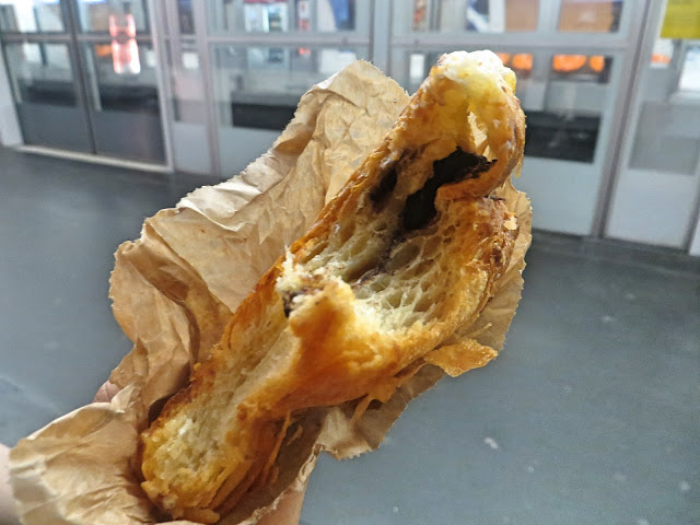 Pain au Chocolate, Paris