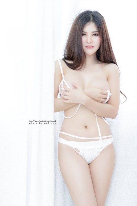 Blue-Jirarat-hot-sexy-boobs-thai-girl-7.jpg