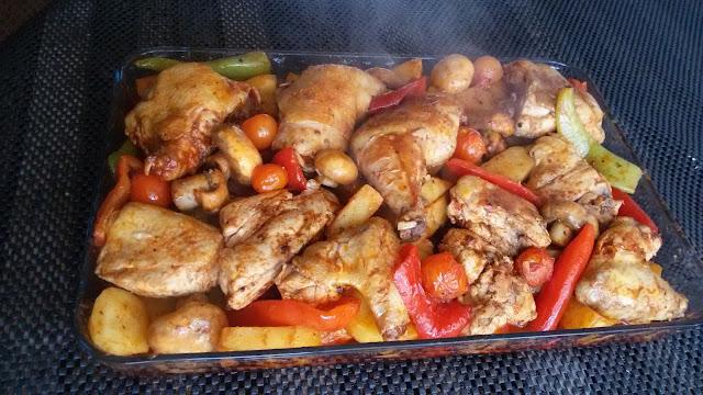 صينية الدجاج مع الخضار في الفرن على الطريقة التركية شهية ولذيذة جربوها Chicken with vegetables
