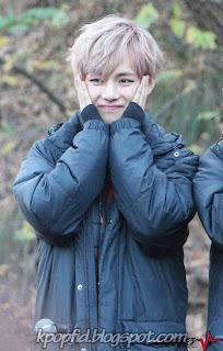 Foto Imut dan Cute V BTS (Kim Taehyung) Bangtan Boys