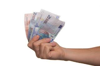 5 Keuntungan Menabung Di Bank Yang Nasabah Wajib Ketahui