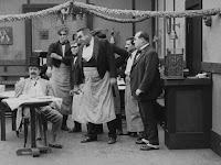 """Кадр из фильма Чарли Чаплина """"Иммигрант"""" (1917) - 12"""