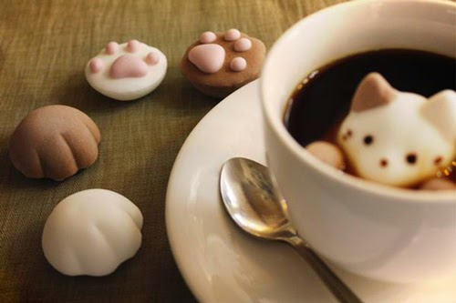 08-Yawahada-Marshmallow-Toppers-for-your-Drink--www-designstack-co