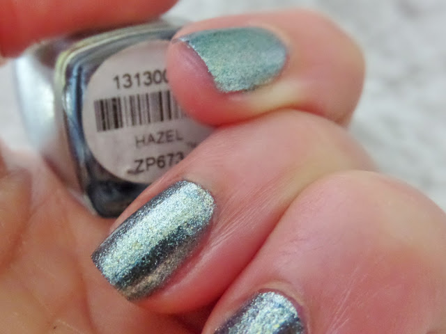 zoya hazel indoor light