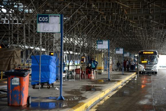 Terminal rodoviário Américo Fontenelle, na Central do Brasil, funciona parcialmenteTânia Rêgo