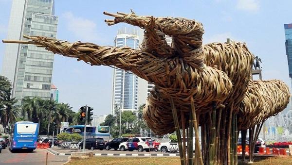Foto: Karya Seni Bambu Jakarta Oleh Anies Baswedan Kurang Estetika?