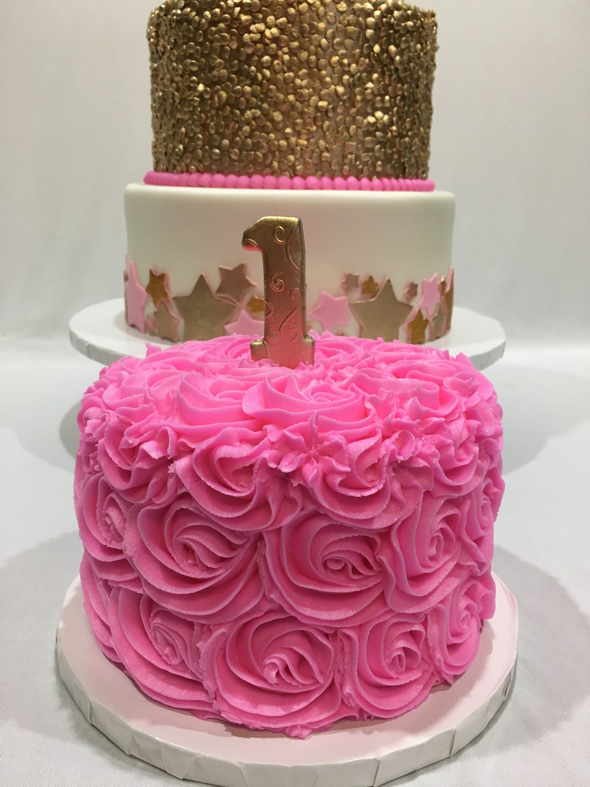 MyMoniCakes: Twinkle a Twinkle Little Star cake with gold sequin tier
