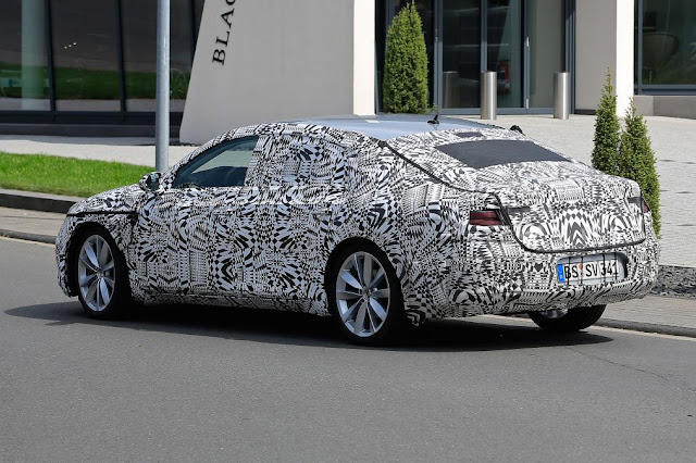 2017 Volkswagen CC coupe spotted new design back spy shoot