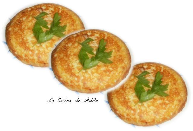 Tortilla de patatas con bonito en escabeche