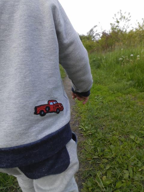 Bluza z naszywkami Monello