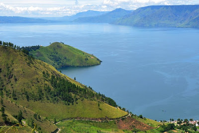 The Beauty of Lake Toba, The Largest Volcanic Lake in the World That You Must Visit