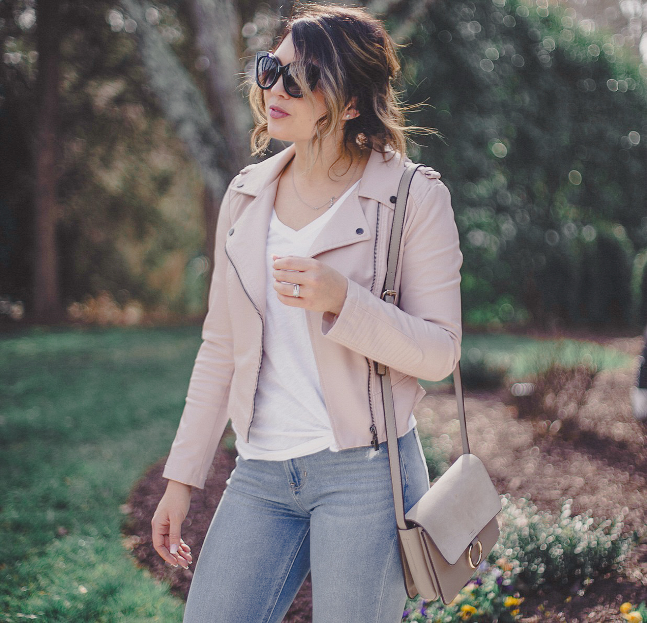 pink moto jacket, mom jeans, american eagle denim, ae mom jeans, blush neutral outfit, pink moto jacket outfit, gray chloe dupe, xo samantha brooke, life and messy hair, sam brooke photo, samantha brooke